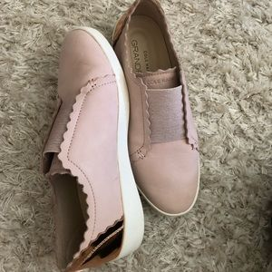 Cole Haan blush/gold scallop shoes/flats Size 6